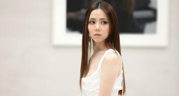 鄧紫棋新MV「火燒鋼琴」超震撼 驚呼:非常火大!