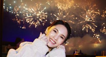 楊丞琳與好友相聚    開心曬照「逆齡童顏」    網驚呼:以為是親子照!