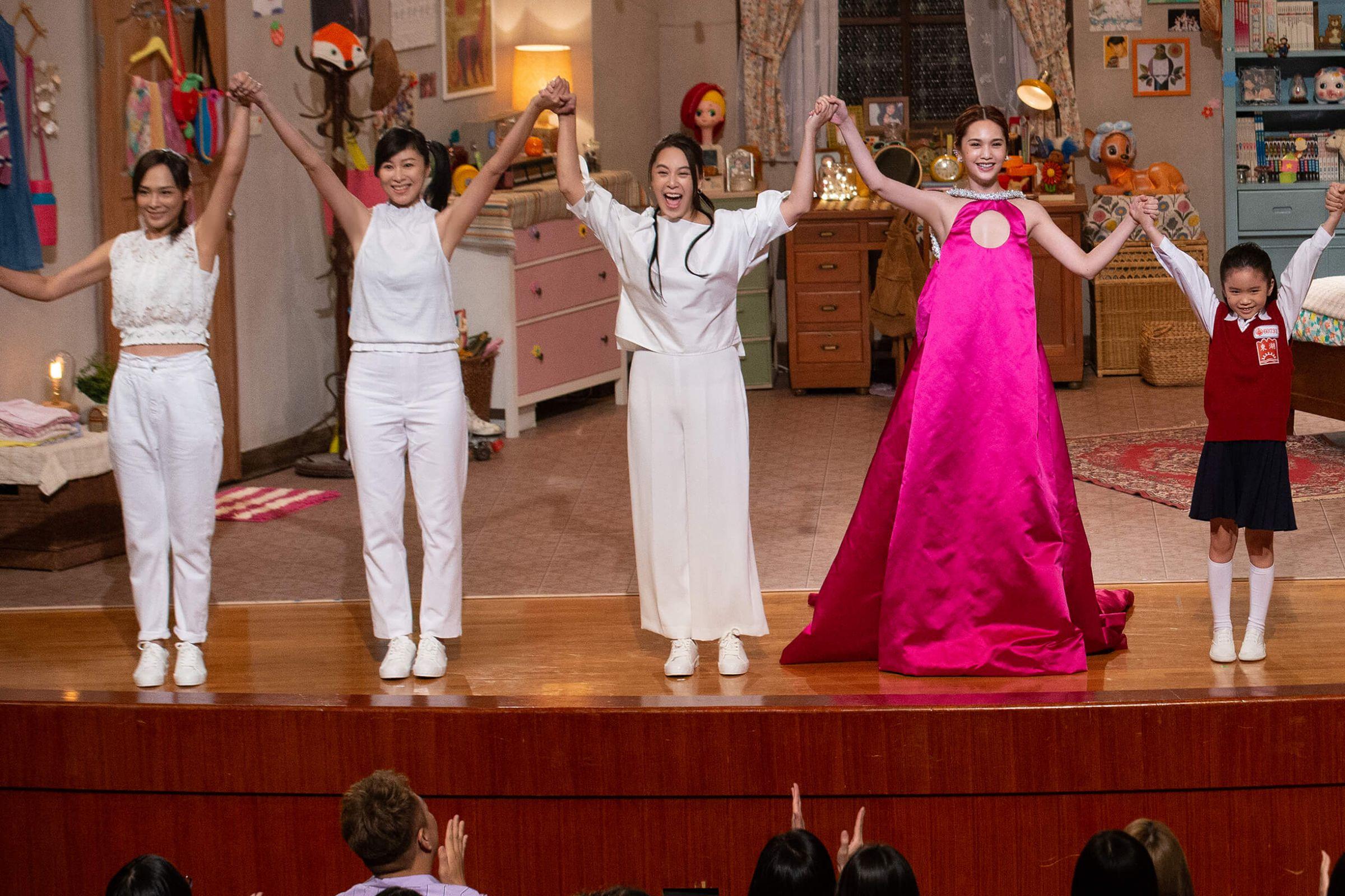楊丞琳「復刻12套經典角色 」 《我猜》憲哥、阿雅力挺!