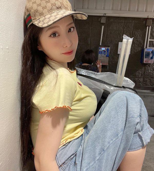 食品區走最快!YUMI.K「口罩包緊緊」辣逛好市多 網:縮水了?