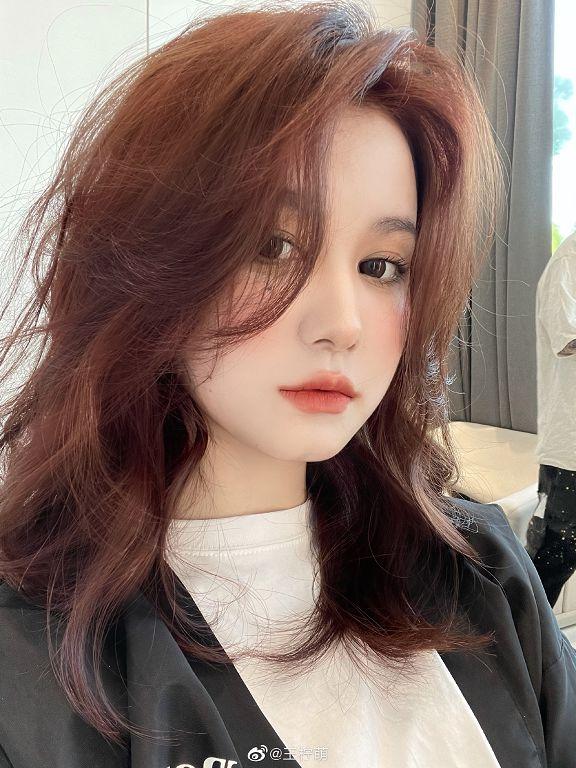 離婚半年官宣新戀情!網紅王檸萌「新伴侶公開」粉絲超崩潰