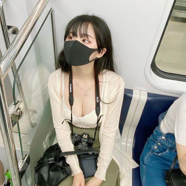 地鐵驚見「超兇猛正妹」!小可愛遮不住 老司機暴動神出本人