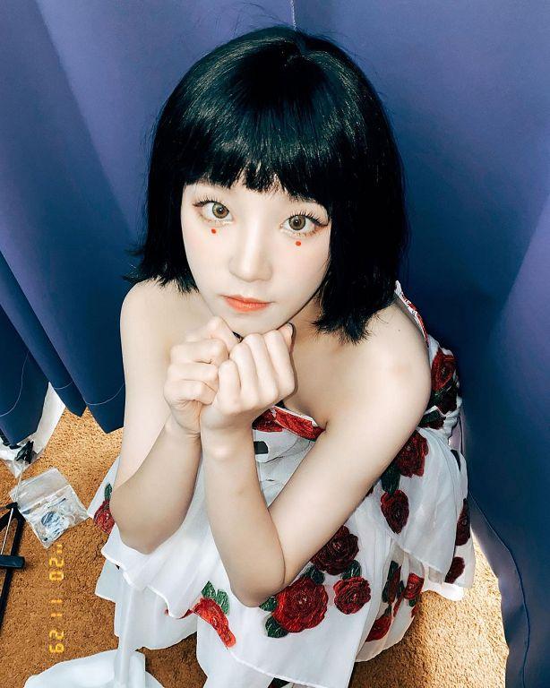 首次短髮亮相!(G)I-DLE雨琦「曝新造型」:本來是戴假髮