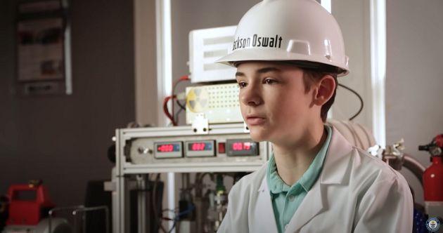 《德克斯特的實驗室》真人版!15歲「創金氏紀錄」:是平凡家庭