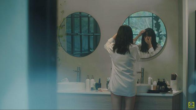 被偷拍?孫盛希「襯衫浴室」居家影片曝光 無厘頭魅力狂吸粉