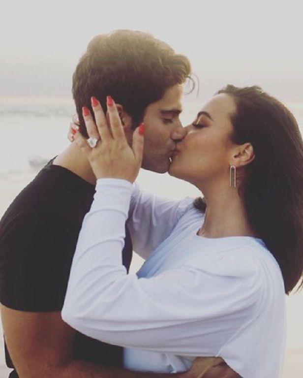 唱紅Let it Go!訂婚2個月黛咪「新聞通知未婚夫分手」 網挖黑歷史