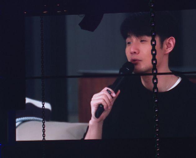 睽違228天沒見!「李榮浩現身」楊丞琳演唱會合唱《曖昧》