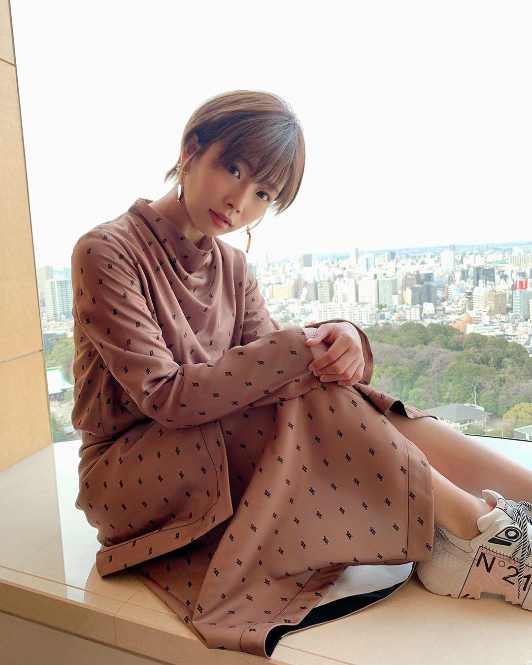 一天連尬10小時!日本絕美女優曝「超狂行程表」 網驚:感覺身體被掏空
