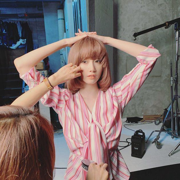 大波浪長捲髮掰掰!潤娥「妹妹頭+及肩短髮」新造型曝光:完全不像