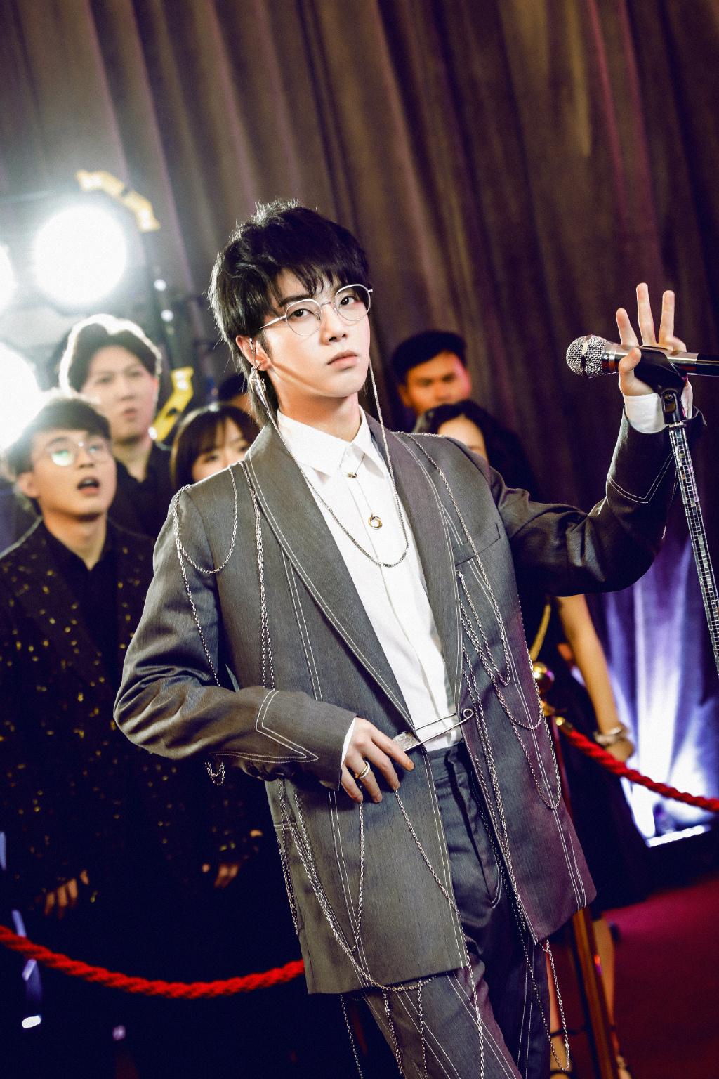 冠軍劇本太明顯?《歌手》華晨宇被罵爆:唱歌有夠難聽!