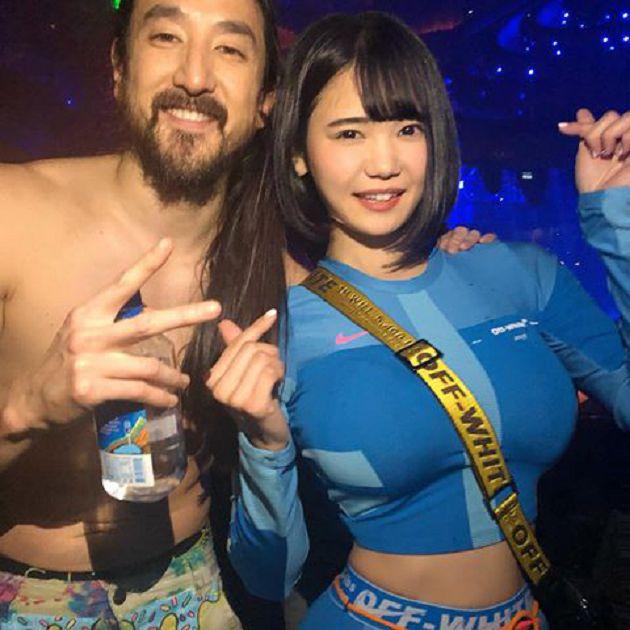 超越DJ Soda!日本清純DJ「身材太兇」衣服包不住:UU噴出領口