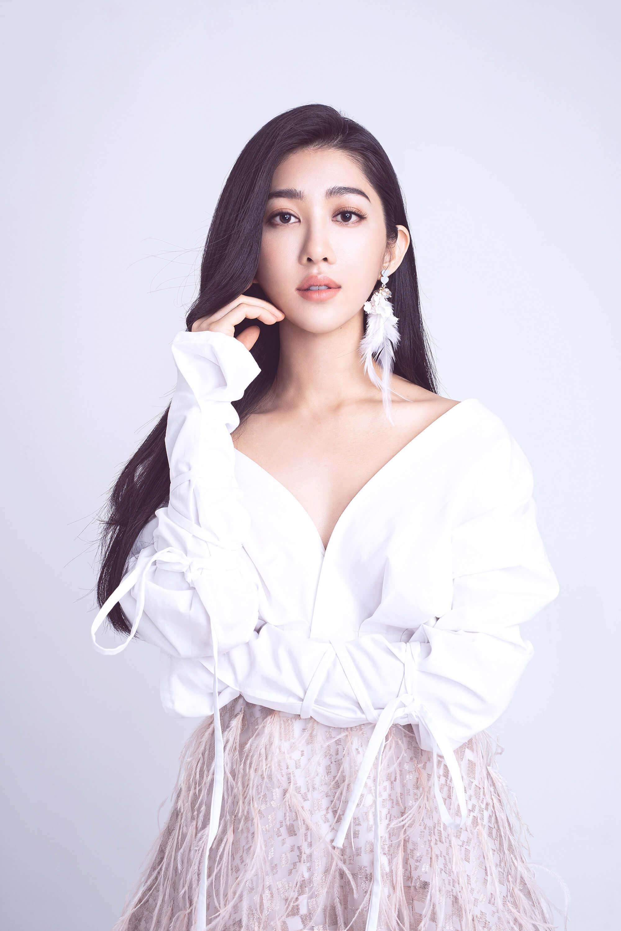 本土劇林志玲「王晴」發片超曲折 「洋裝開深V」仙氣爆棚!