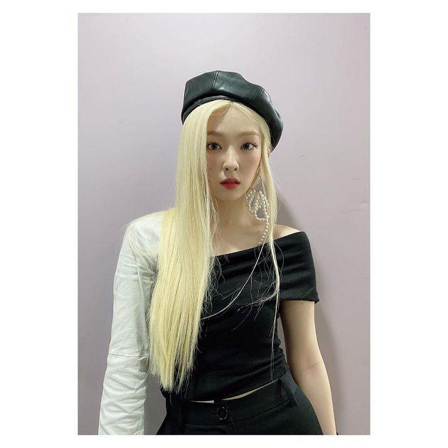 Irene一頭金髮是假的!公開「脫假髮過程」 影迷直呼:很可憐\