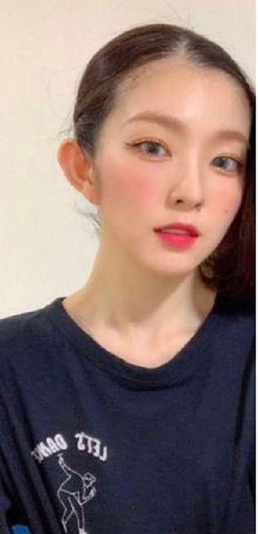 Irene一頭金髮是假的!公開「脫假髮過程」 影迷直呼:很可憐